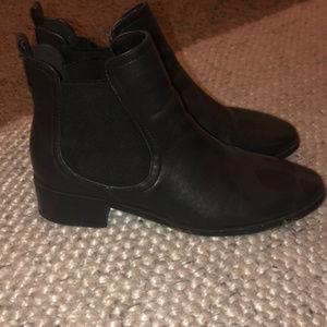 black chelsea boots F21